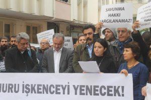 panel-sonrasi-ses-onunde-avukatlari-tugay-bekin-gozaltina-olmasi-protesto-edildi